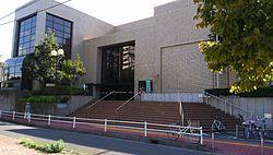 横浜市立保土ヶ谷図書館.JPG