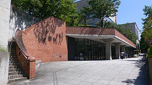 Kobe_municipal_central_library01s3200[1].jpg